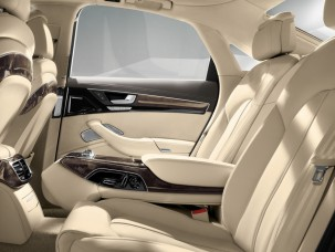 antropoti-limousine-rent-a-car-audiA8-interior1