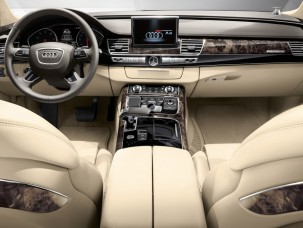 antropoti-limousine-rent-a-car-audiA8-interior7